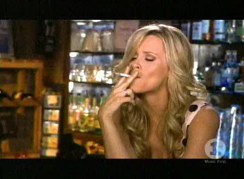 Jenny McCarthy SMOKING!
